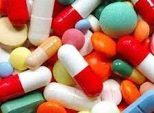 المعامل بحاجة إلى شهر لتوفير الأدوية المفقودة.. والتسعيرة الجديدة مناسبة للجميع … نقيب الصيادلة : «الصحة» والنقابة ستتخذان إجراءات حازمة بحق المعامل والمستودعات والصيادلة لتوفير الدواء والتقيد بالتسعيرة