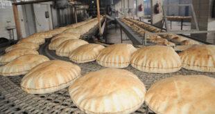 لا رسائل «خلبية» في توزيع الخبز للمواطنين! … مشاهد الازدحام تعود لبعض أفران العاصمة والخبز الحر تصل الربطة لـ1000 ليرة