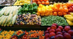 """جدل حول الارتفاع غير المسبوق بأسعار الفاكهة.. والمستهلك """"شم ولا تدوق""""!!"""