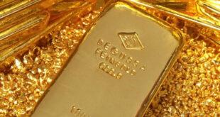 الذهب يرتفع لأعلى مستوى في شهر مع تراجع الدولار والسندات الأميركية